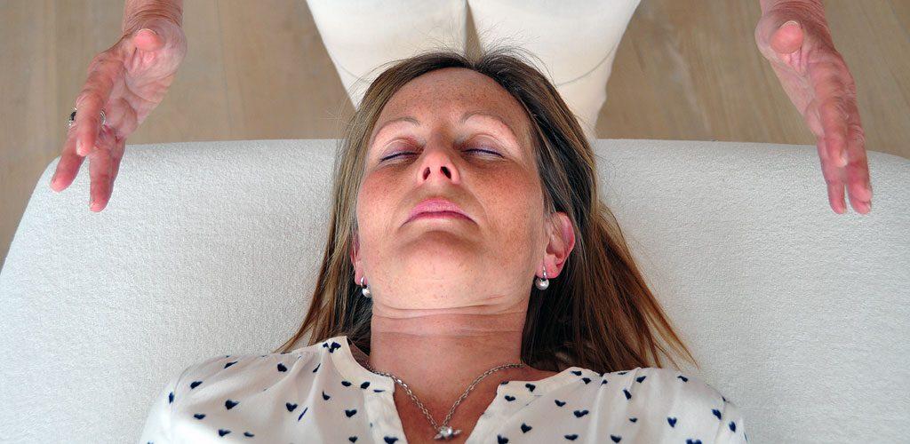 Reconnective Healing - Entspannte in der Sitzung